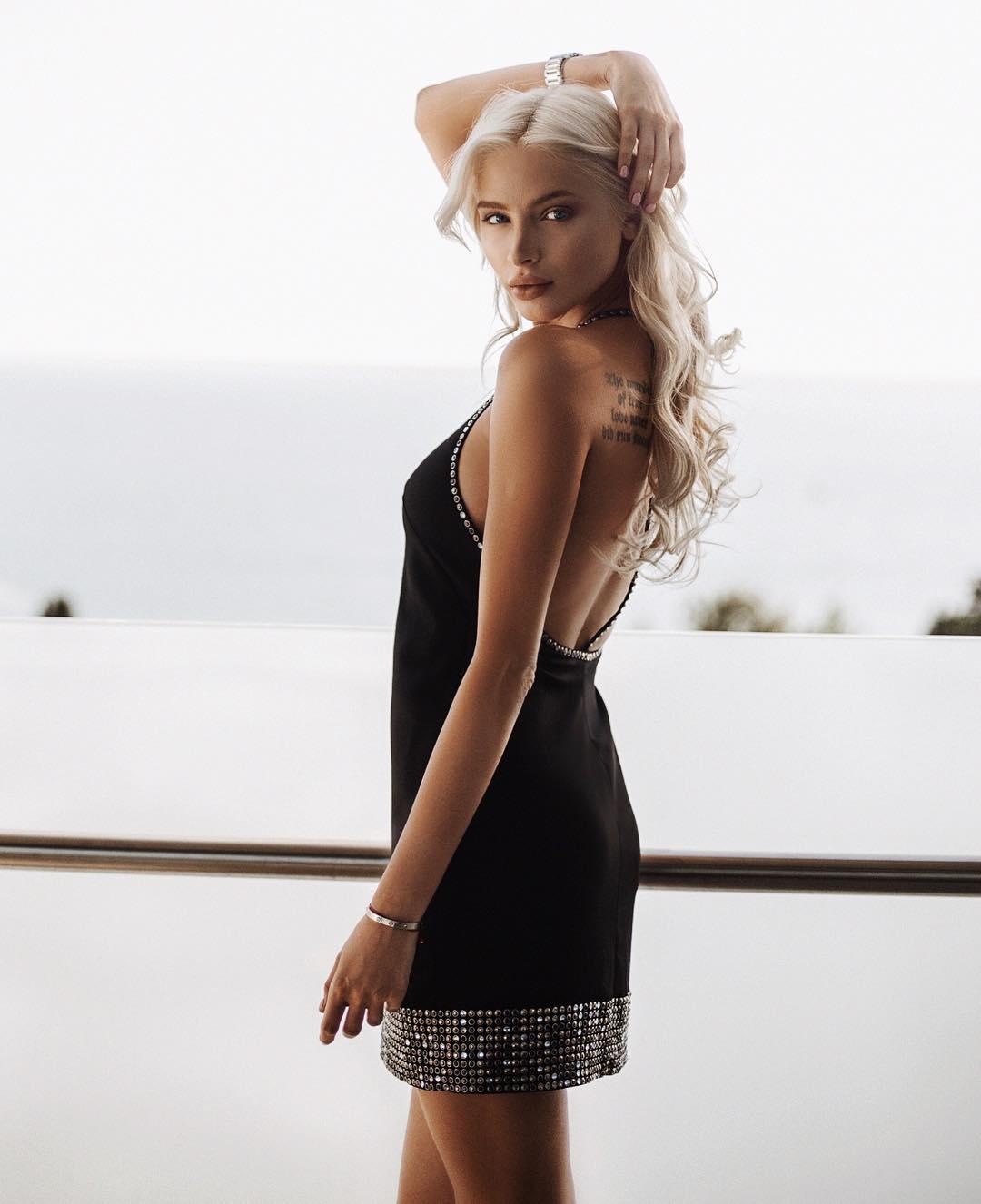 Big ass black booty danesha