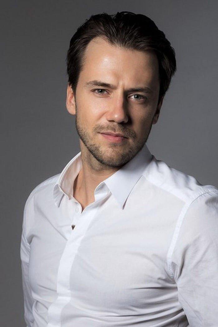 считалось, что самые красивые актеры россии мужчины фото плетения разнообразие