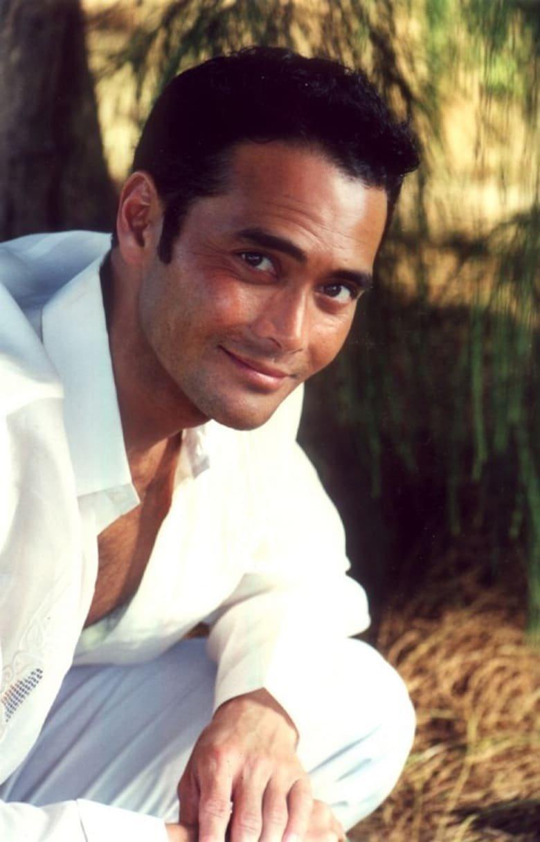 фото молодой актер марк дакаскос удалось