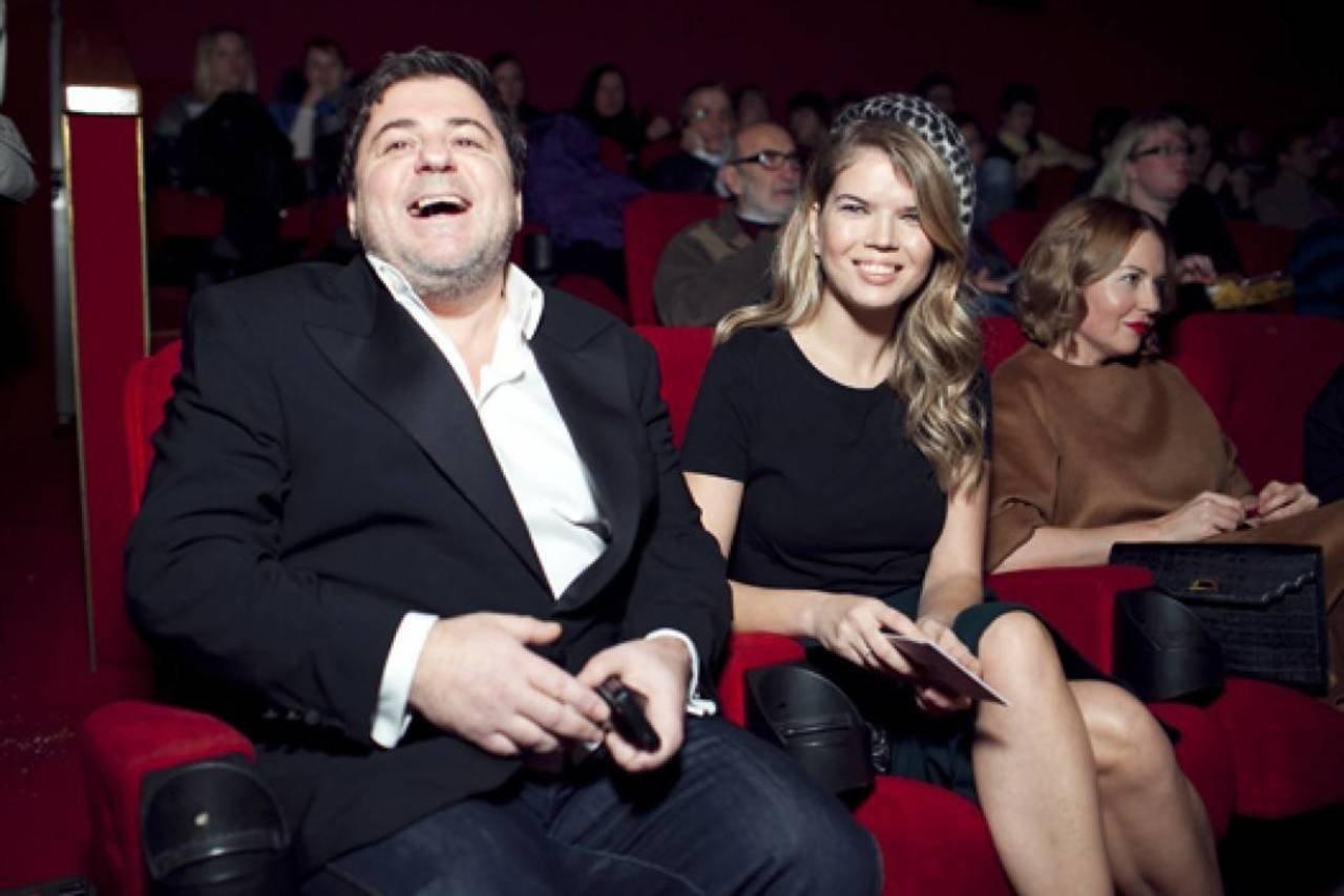 цекало александр с женой викторией фото праву