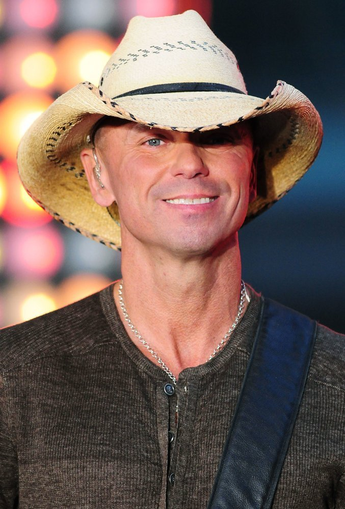 Is kenny chesney homosexual