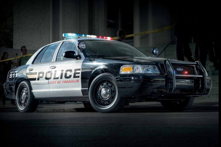 Ford Crown Victoria Police Interceptor (33 фото)